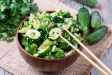 Острый салат из огурцов