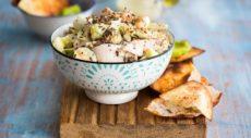 Салат с курицей и йогуртовой заправкой