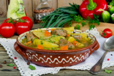 Жаркое из говядины с картофелем: простой рецепт