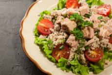 Салат с тунцом и кускусом
