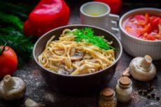 Итальянская паста в сливочном соусе