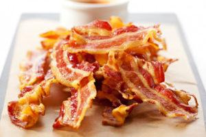 Чипсы из бекона: хрустящая закуска и соленый акцент к любимому блюду
