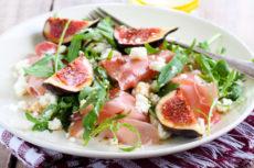 Салат с инжиром и прошутто