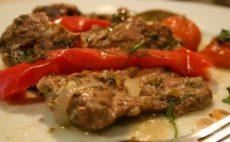Жареная говядина с помидорами черри по-испански