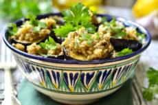 Баклажаны с ореховым соусом