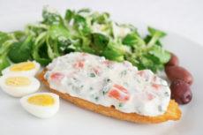 Сэндвичи с закуской из сливочного сыра и лосося