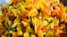 Салат «Будь в форме» с капустой, болгарским перцем, морковью и сельдереем