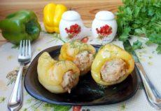 Перец, фаршированный свининой и баклажанами