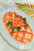 Салат с красной рыбой и яблоком «Принцесса»