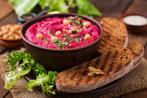 Свекольный хумус: оригинальная закуска