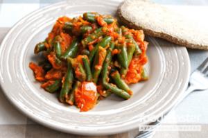 Салат из стручковой фасоли и моркови