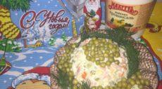 Салат Оливье с солеными огурцами