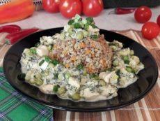 Курино-овощная сметанная подлива