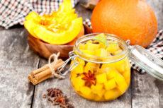 Маринованная тыква: простой и быстрый рецепт оригинальной закуски