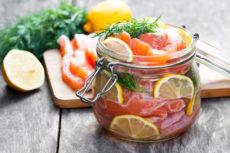 Маринованный лосось с лимоном и укроп: оригинальная закуска
