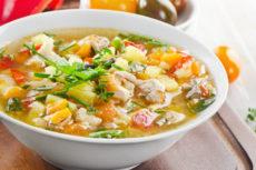 Куриный суп с помидорами и тыквой