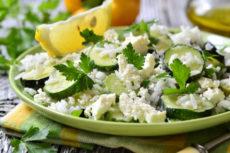 Салат из цуккини с рисом и брынзой