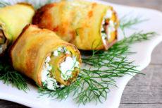 Рулетики из кабачков с сыром и чесноком: пикантная закуска