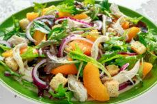 Салат с курицей и апельсинами: простой рецепт